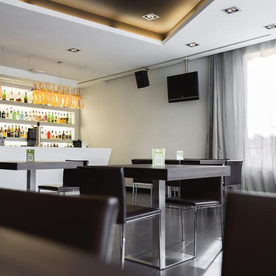 Hotel valdepenas spa cafeteria3