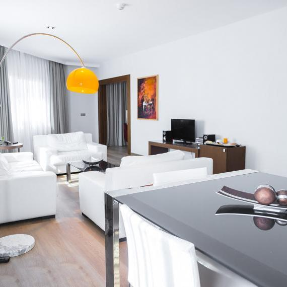 Suite4 hotel valdepenas spa1